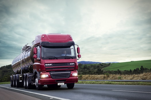 DAF-CF85-Space-Cab-Diablo-Red