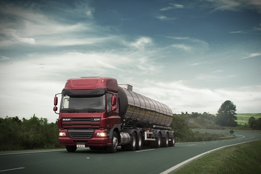 DAF-CF85-Space-Cab-Diablo-Red-CZE